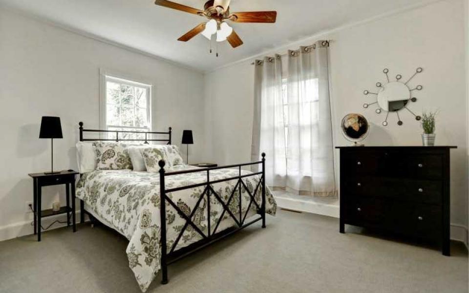 Lara bedroom 2 IVy